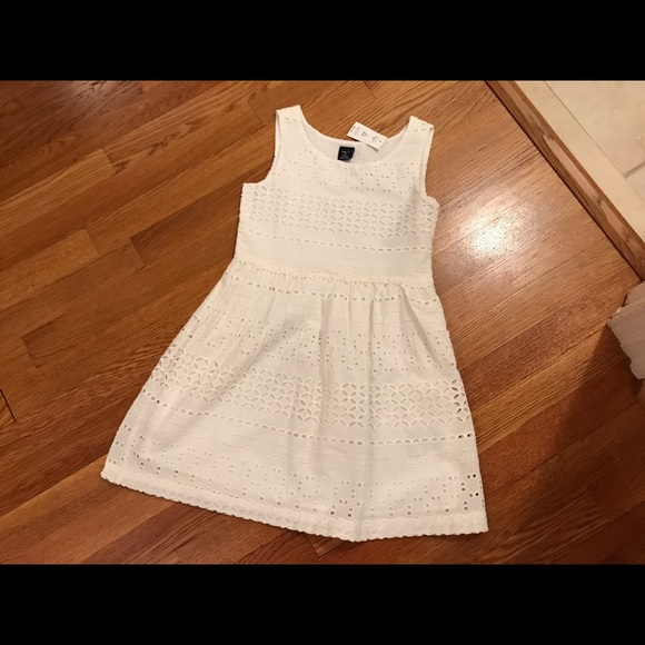 NWT Eyelet Dress Size Small off white